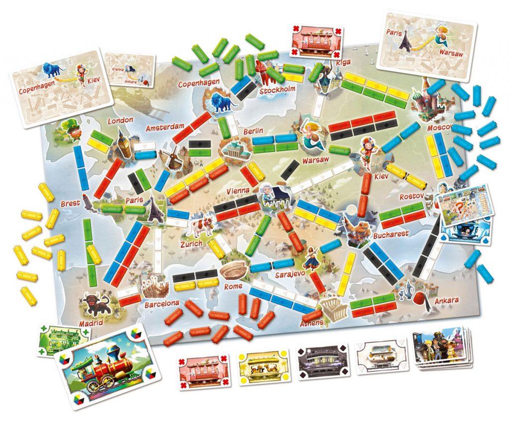 """Phát hành năm 2005, Ticket to Ride: Europe dựa vào bản đồ châu Âu đầu thế kỷ 20. Trò chơi cho phép hai dạng kết nối: """"Ferry"""" yêu cầu phải dùng thẻ """"Locomotive"""" khi đánh dấu, và """"Tunnel"""", điều này đã tăng tính rủi ro và ngẫu nhiên cho trò chơi."""
