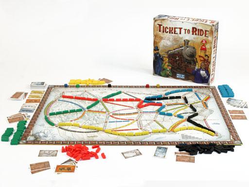 Một bộ board game Ticket To Ride sẽ bao gồm những item sau