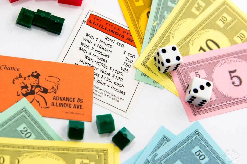 Đây không đơn giản chỉ là một trò chơi giải trí thông thường, nó dạy bạn biết đầu tư mua đất, xây nhà hay kinh doanh để kiếm thu nhập từ số vốn ban đầu.