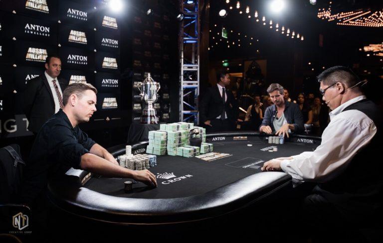 Poker là một trò chơi trí tuệ, được lan rộng mạnh mẽ nhờ truyền thông vào cuối thập niên 90.