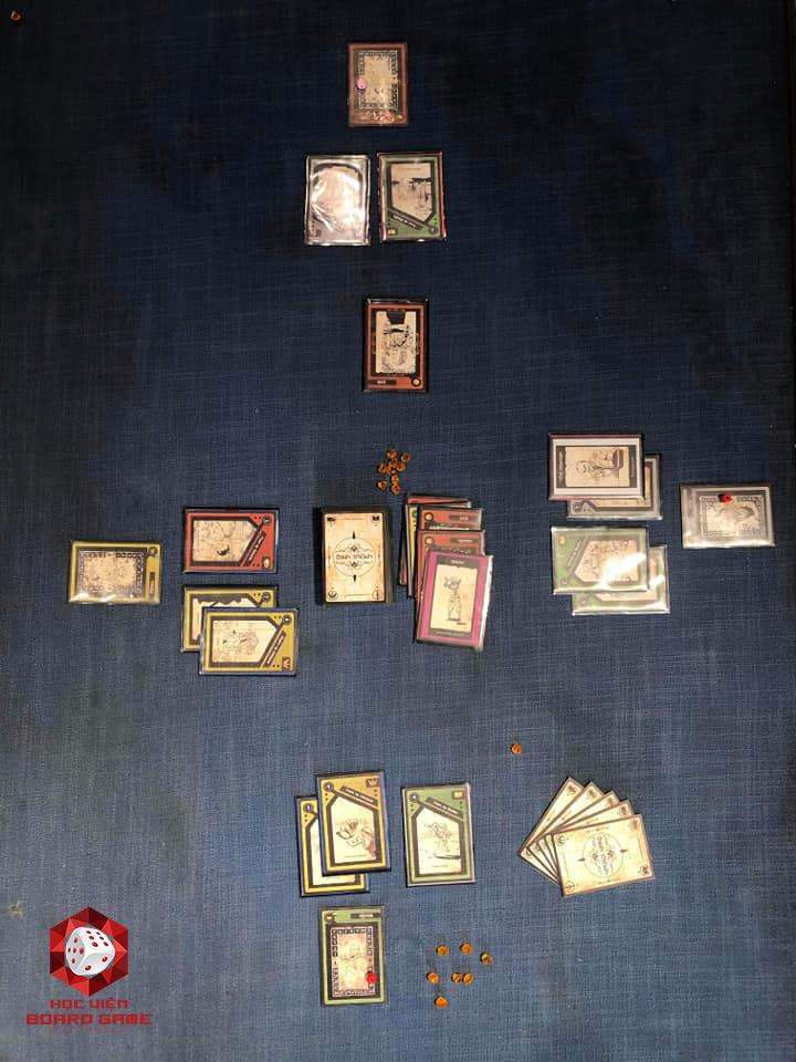Board Game Định Mệnh khi setup cho 4 người chơi