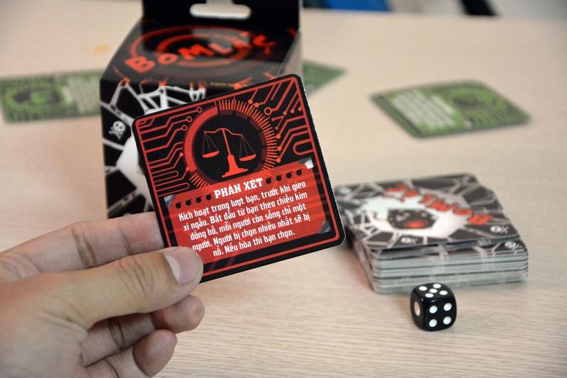 Hướng dẫn luật chơi trò Bom Lắc siêu bựa chỉ trong 5 phút